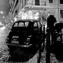 Fiat 500 - Rome by Night (pom.angers) Tags: panasonicdmctz30 february 2017 rome roma italy italia lazio car vintagecar fiat fiat500 cinquecento fiatcinquecento night 100 200 300 400 5000