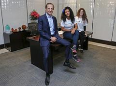 Andressa Santos e Kailany Oliveira recebem de Paulo Skaf o comando da Fiesp