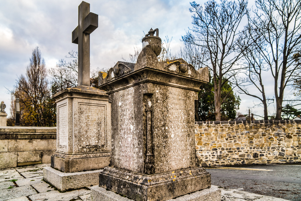 MOUNT JEROME CEMETERY IS AN INTERESTING PLACE TO VISIT [IT CLOSES AT 4PM]-134266