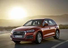 Arany kormánykerék díjat kapott az Audi Q5 (autoaddikthu) Tags: 2017 aranykormánykerék audi audiq5 autó jármű kocsi suv