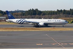 F-GZNT (moloneytomEIDW) Tags: narita fgznt boeing b777300er