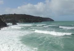 Surf's  Up (Kevin Pendragon) Tags: saintagnes cornwall sea waves atlantic surf sky clouds blue aqua summer