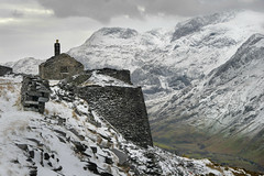 Living on the edge (PentlandPirate of the North) Tags: dinorwic slate quarry snowdonia northwales dinorwig house snow ~flickrinnes flickrinnes