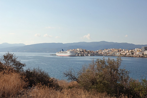 "Agios Nikolaos, cruise ship ""Golden Iris"""