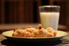 French breakfast (MasterKrzych) Tags: yongnuo 50mm 50mm18 yongnuo50mm18 f18 f canon canoneos canondslr dslr canoneos100d canon1300d croissant france french frenchcroissant francecroissant frenchbreakfast milk meal glass eat toeat delicious deliciousbreakfast dinner evening morning dough