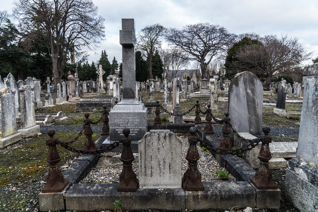 MOUNT JEROME CEMETERY IS AN INTERESTING PLACE TO VISIT [IT CLOSES AT 4PM]-134280