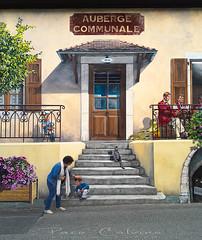 Trompe l'oeil (Paco CT) Tags: casa construccion construction gente people trampantojo vivienda art arte dwelling house housing trompeloeil