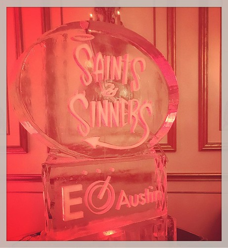 This is a fun #holiday theme for a #party @palazzolavaca tonight! #santaswatching🎅 #naughtyornice #saintsandsinners #iceluge #fullspectrumice #thinkoutsidetheblocks #brrriliant - Full Spectrum Ice Sculpture