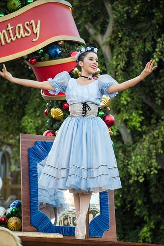 """""""A Christmas Fantasy"""" Parade - Disneyland"""