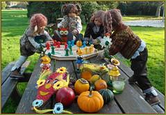 Das Spiel beginnt ... (Kindergartenkinder) Tags: milina annemoni kindergartenkinder annette himstedt dolls tivi sanrike schloss lembeck