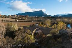 Puente de San Miguel, Jaca (Jose Antonio Abad) Tags: puente joséantonioabad jaca paisaje aragón pública ríoaragón naturaleza edadmedia arquitectura españa huesca jacetania es