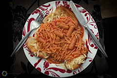 334/365 Another TV Dinner ([inFocus]) Tags: 365 3652017 project365 photoaday photooftheday dinner heinz spaghetti toast tv cutlery plate