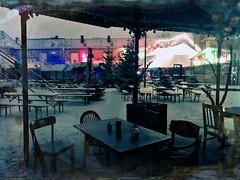 Feuerzangenbowle Pavillon (Casey Hugelfink) Tags: munich münchen schlachthof märchenbazar weihnachtsmarkt christkindlmarkt christmasmarket zirkus circus zirkuszelt circustent schnee snow winter night nacht illumination chairs table stuhl stühle feuerzangenbowle stephenking stephenkingscene