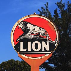 Lion Gasoline - near Joinerville,Texas (Rob Sneed) Tags: usa texas joinerville easttexas lionoil liongasoline lionoilcompany vintage oilfield advertising roadtrip porcelainsign tx64 gasoline gas