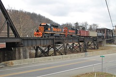WE218, Sygan, Pa (W&LE45) Tags: wle wheelinglakeerie wheelinglakeerierailway rooksubdivision rook railroad railroads pittsburghwestvirgina sd402 sd403 sd40 hickory hiline trains train trestle