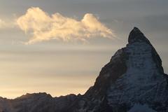 Matterhorn - Mont Cervin - Monte Cervino ( VS - I - 4`478 m - Erstbesteigung 1865 - Viertausender - Berg montagne montagna mountain ) in den Walliser Alpen - Alps bei Zermatt im Mattertal - Nikolaital im Kanton Wallis - Valais der Schweiz und Italien (chrchr_75) Tags: christoph hurni schweiz suisse switzerland svizzera suissa swiss chrchr chrchr75 chrigu chriguhurni chriguhurnibluemailch november2017 november 2017 albumzzz201711november berg alpen alps mountain matterhorn mont cervin monte cervino zermatt landschaft landscape wallis valais kantonwallis montcervin montecervino albummatterhorn sveitsi sviss スイス zwitserland sveits szwajcaria suíça suiza wolke cloud wolken himmel himmu natur nautre sky wetter weather albumwolkenüberderschweiz
