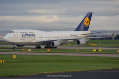 Lufthansa 747-400 D-ABVO at Manchester (Mark_Aviation) Tags: lufthansa 747400 dabvo manchester ur09307 squawking 7700 emergency divert mayday unruly passenger medical international airport ringway egcc man mcr aircraft airplane air aviation airbus airlines aerospace aeroplane arriving airshow arrival af airways a380 avro boeing