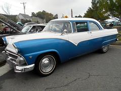 1955 Ford Fairlane (splattergraphics) Tags: 1955 ford fairlane carshow ridgelypharmacycarshow ridgelyrailroadpark ridgelymd
