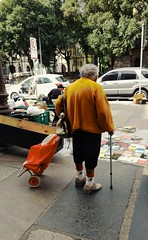 preferências (luyunes) Tags: rua comercioderua camelôs cidade gente streetscene cenaderua fotografiaderua fotoderua fotografia motoz luciayunes