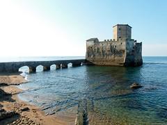 Castello sul mare (giorgiorodano46) Tags: settembre2013 september 2013 giorgiorodano torreastura lazio italy castello castle torre tower tour chateau mare mer sea tirreno mediterraneo