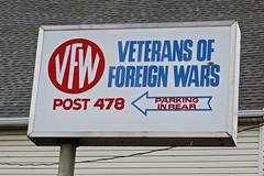 VFW Post 478, Binghamton, NY (Robby Virus) Tags: binghamton newyork ny upstate vfw sign signage veterans foreign wars arrow post 478 parking rear park