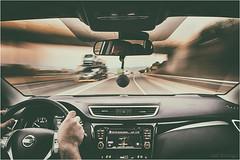 A Bordo - On Board (josansaru) Tags: josesantiago josansaru fotografiacreativa nikon nikonistas d90 novimiento moving color autovia vehiculo coche volante conducir camion nissan qashqai