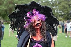 La Calavera Catrina (Crude Rendition) (l plater) Tags: lacalaveracatrina dayofthedead skeleton skull sydneyzombiewalk2017 princealfredpark