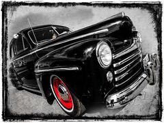 Ford Super Deluxe #2 (madmtbmax) Tags: usa car vintage retro hobby black chrome red hubcap white tyre headlight bumper perspective frame framed sw bw schwarz weiss bianco nero negro blanco svart vit american nose wheel auto 1940s 40s tiki kopf head shrunken shrumpf