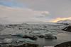 Islanda-39 (msmfrr) Tags: panorama landscape vento wind jökulsárlón ghiaccio ghiacciaio glacier lagoon ice sea spiaggia beach islanda iceland montagna cielo acqua paesaggio mare roccia neve baia iceberg water clouds nuvole tramonto sunset