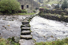 Stepping Stones Stainforth, North Yorkshire (Kingsley_Allison) Tags: stainforth steppingstones yorkshire yorkshiredales crossings water stones stonebridge stainforthbeck catriggforce