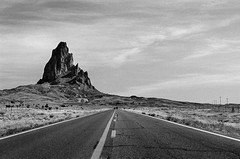 El Capitán (Agathla Peak) (GOJR.) Tags: arizona westernus usroute163 roadscape blackwhite rodinal semistanddevelopment adventure travel utah monumentvalley road nikkor50mmf14 nikonfe film analog