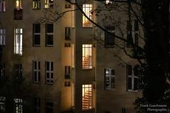 Treppenhaus (Frank Guschmann) Tags: nachtaufnahmen treppenhaus hinterhaus rearbuilding stairwell stairwelllighting berlin germany deutschland nightscene nightphotography frankguschmann nikond500 d500 nikon