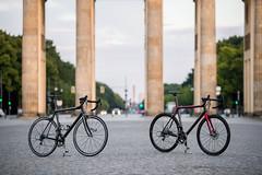 Konstructive-RHODOLITE-PRO-Bike-TwoToneFinish-BrandenburgerTor-2