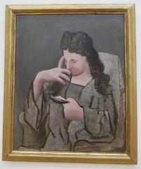 """Femme lisant"", 1920, Pablo Picasso (1881-1973), Musée de Grenoble, Grenoble, Rhône-Alpes-Auvergne, France. (byb64) Tags: muséedegrenoble musée museo museum grenoble isère 38 rhônealpes dauphiné france frankreich francia europe europa eu ue xxe 20th peinture painting dipinto cuadro tableau picasso pabopicasso femmelisant portrait porträt retrato ritratto femme woman mujer donna frau"