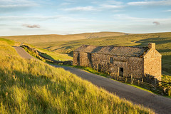 Crook Seal Barn (matrobinsonphoto) Tags: matrobinson swaledale birkdale birk dale dales north yorkshire beck barn crook seal road summer sunlight sun light natural nature countryside rural outdoors landscape valley view golden hour evening grass grasses uk england blue sky