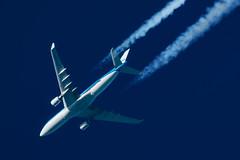 KLM Airbus A330-203 PH-AOD (Thames Air) Tags: klm airbus a330203 phaod contrails telescope dobsonian overhead vapour trail