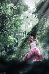 【Dreamland】 (Huỳnh MiNH Trí) Tags: shooting modeling portrait styling lighting beauty professional gorillazs photographer art women dream land bride design color feeling forest ray bokeh