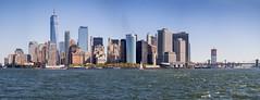 Panorámica de Lower Manhattan desde la bahía de Nueva York. (Luis Pérez Contreras) Tags: viaje eeuu usa trip 2017 olympus m43 mzuiko omd em1 manhattan nyc newyork nuevayork estadosunidos circlelinecruise