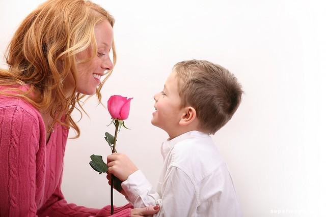 КоДню матери в социальных сетях проходит флешмоб «Спасибо, мать!»