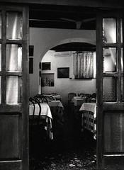 Ristorante - Roma (david zhornski) Tags: ishootfilm design leicam6 leica film135 noiretblanc blackwhite trix film kodak nokton50 voigtlander argentique analog monochrome italy roma ristorante