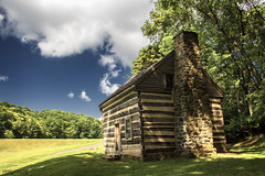 Polly Woods Ordinary - Blue Ridge Parkway (Virginia) (Andrea Moscato) Tags: andreamoscato america statiuniti usa unitedstates us blue white green grass field trees albero wood sky cielo clouds nuvole nature natura natural naturale np nationalpark light luce day shadow ombre architecture architettura house cabin history historic ancient vivid stones pietra legno