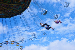 DSC05864ar5 (A. Georgis) Tags: swing amusements people