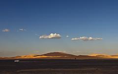 Yéndose/Leaving (orozco-fotos) Tags: nikond90 orozco corozco orozcofotos sigma18250mm13563hsm surdemarruecos marruecos morocco maroc marokko dunasdemerzouga дюнымерзуги ديونزمنمرزوقة
