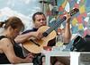 El canto del gaucho (Franco D´Albao) Tags: francodalbao dalbao fujifilmfinepixhs50exr people músico musician guitarra guitar pareja couple bar