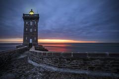 The Guardian (Tony N.) Tags: france bretagne finistère leconquet kermorvan phare lighthouse sea seascape sunset coucherdesoleil couchant clouds cloudy nuages vanguard d810 nikon nikkor1635f4 tonyn tonynunkovics