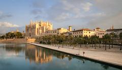 Cathedral of Santa Maria of Palma (dasu_) Tags: bauten landschaft mallorca orte spanien fisher cathedral church architecture palma spain baleares balearen architektur kathedrale kirche dusk sonnenaufgang