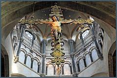 Dans la Munsterkerk, Roermond, Limbourg, Pays-Bas (claude lina) Tags: claudelina paysbas nederland hollande limbourg limburg roermond roermonde église church cathedral cathédrale kerk munsterkerk crucifix croix christ coupole