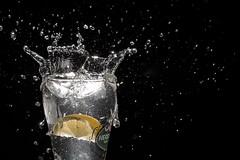 Test #02 (albertosicchiero) Tags: splash photography water strobist flash acqua gocce