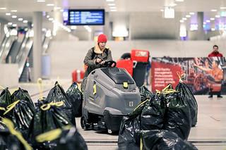 Müll-Parcour feat. Andrea Jerger