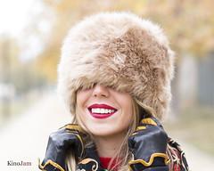 No permitáis que el frío os quite las ganas de sonreir (kinojam) Tags: belleza beauty portrait sonrisa smile frio cold kino kinojam canon canon6d